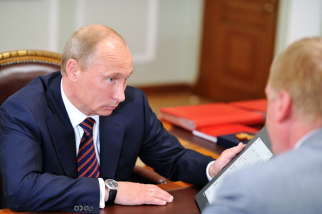 Путин на демонстрации планшета Чубайса