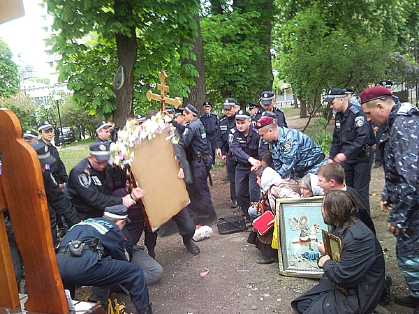 гонения на православных на украине.jpg