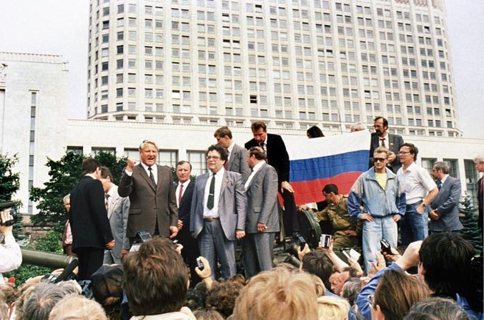 Ельцин, белый дом.jpg