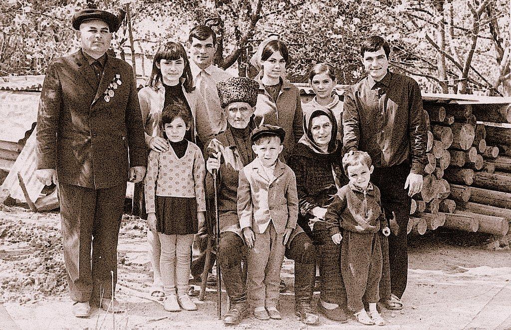 http://communitarian.ru/upload/medialibrary/6de/6de838603bd54d5160c7c2b5ff727dd5.jpg height=330