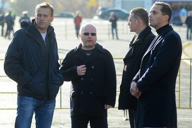 Навальный, Крылов, Милов