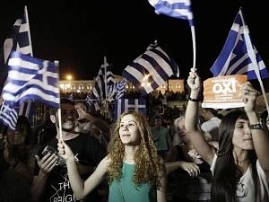 Будь в тренде - кидай банкиров! Греция сказала «нет» евро и ЕС